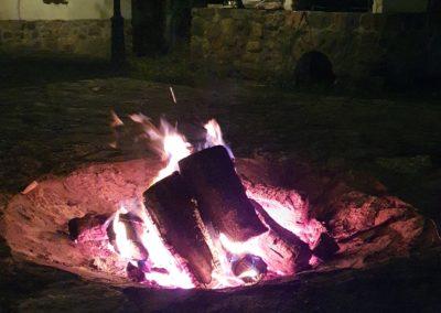 ognisko koło domu