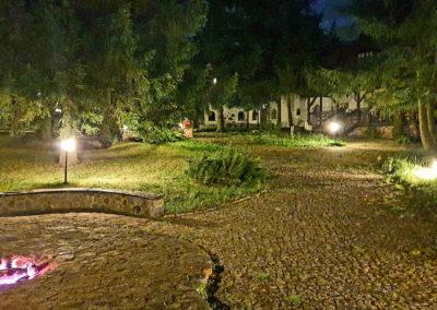 podwórko koło domu na Mazurach