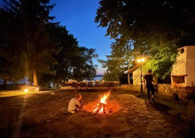 ognisko-przy-domu-nad-jeziorem-gołdapiwo-Mazury
